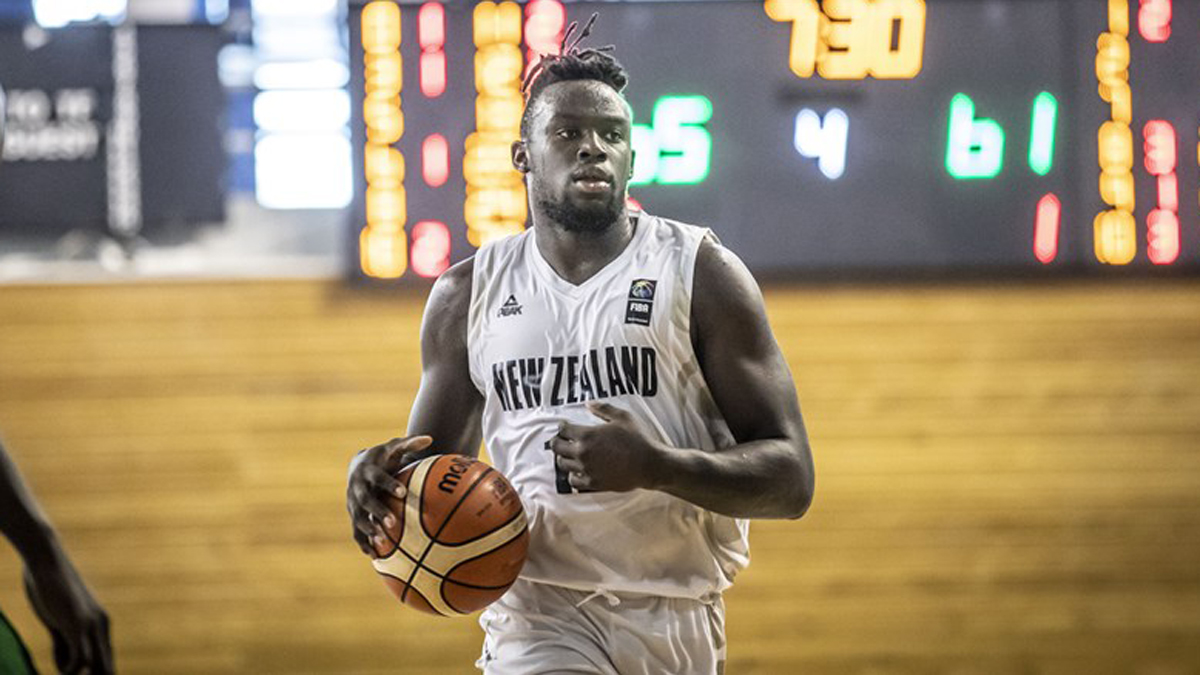 Rising talent Max Darling signs with ANBL's Hawks - NZ Sports Wire